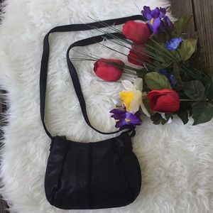 🌺ruffled accent leather crossbody bag🌺
